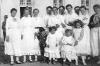 Fiatal lányok viselete az 1930-as évek vége felé